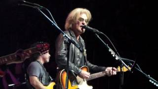 Maneater LIVE Hall & Oates 6-17-17 Prudential Center, Newark, NJ