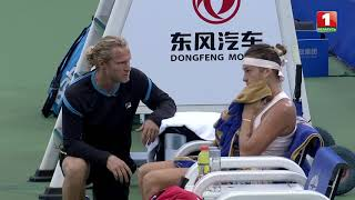 Что говорит Турсунов Арине Соболенко во время перерыва в теннисном мачте!