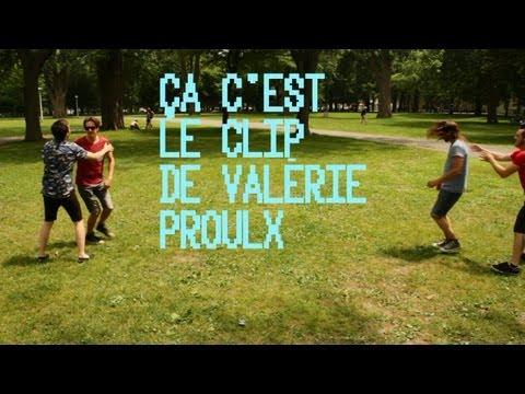 3 GARS SU'L SOFA - Valérie Proulx (Vidéoclip officiel)