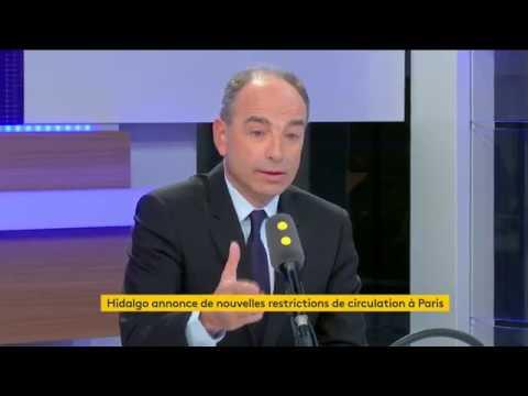 """Jean-François Copé explique les """"wagons fumeurs trains de banlieue"""""""