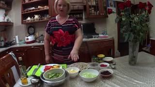 Салат,  очень вкусный и сытный с кисло сладким соусом.
