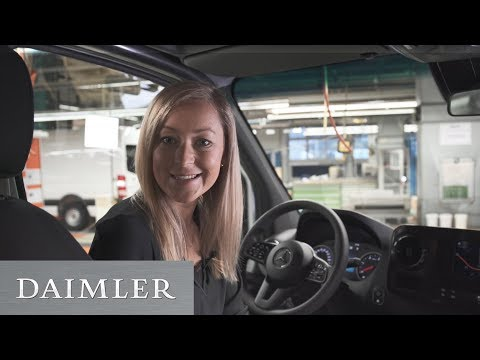 Virtuelles Montagetraining beim neuen Mercedes-Benz Sprinter | Digitale & vernetzte Produktion