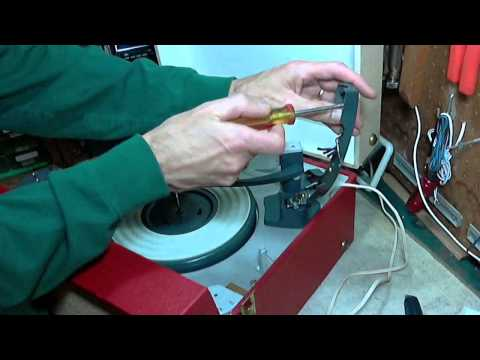Admiral Suitcase Record Player Video #4 - Install New Cartridge
