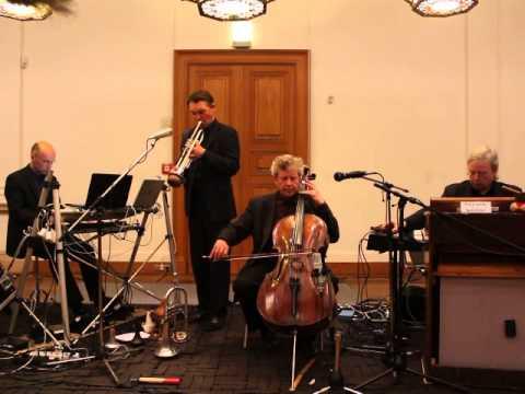 Das Ensemble für intuitive Musik im Neuen Museum Weimar 25.04.2013