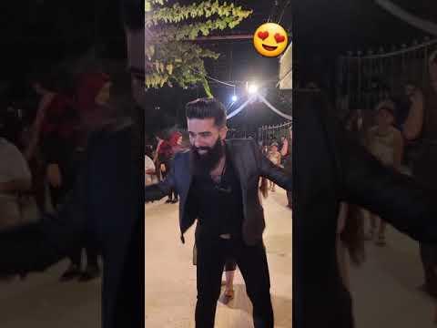 رب الدبكة اللبنانية تامر عقيل 😍 يرقص بين جمهوره 💃 Arab man d