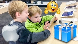 iPad Shopping at Best Buy with Kids Playing with iPads Unboxing and initial impression