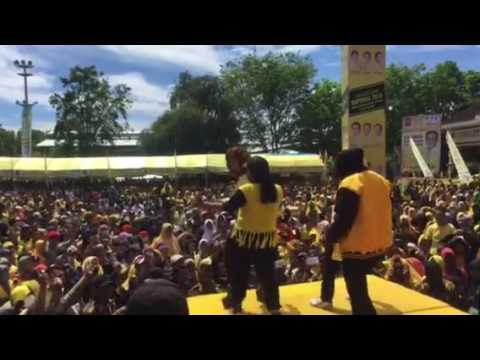 Irma Darmawangsa Hot dipanggung 'kereta malam'