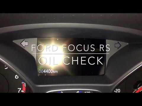 Ford Focus RS quick oil check
