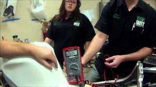 كيفية اختبار دراجة نارية الساكنة ل AC فولت الإخراج و الاستمرارية أيضا مركبة يو تي