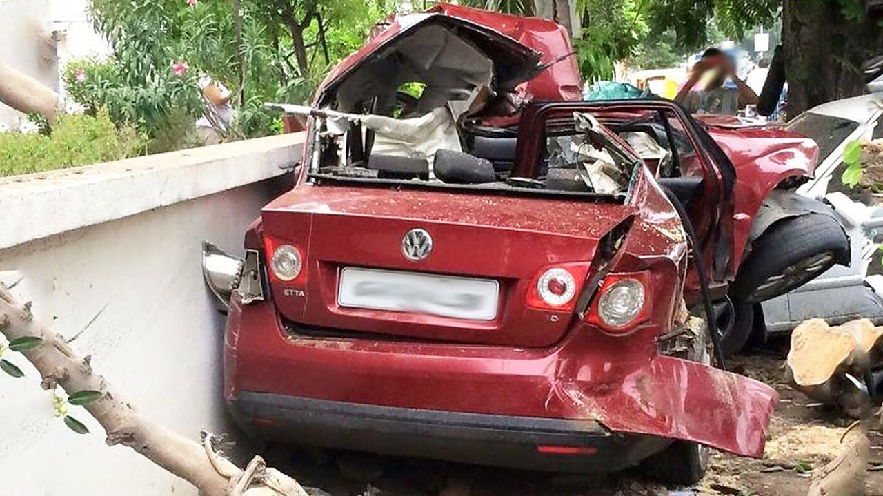 latest car accident of volkswagen jetta in india - road - crash - compilation - 2016