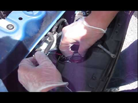 2007 Pontiac G6 Headlight Bulb Replacement