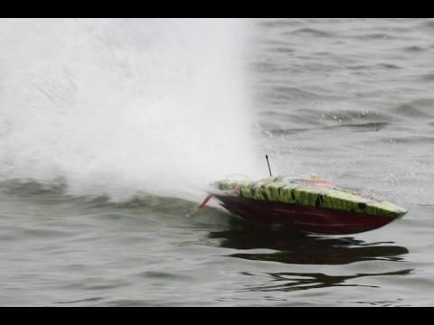 rc electric boats at Eton Lakes, south of Manila, 30 April