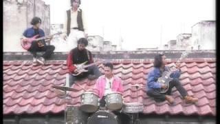 Download EYE - Izinkan Selamanya Namamu Dihati (Official Music Video)