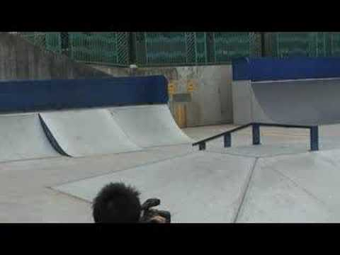 Habitat 8five2 Skateboard Demo - Park Session