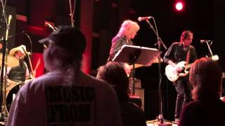 Watch Lucinda Williams Out Of Touch video