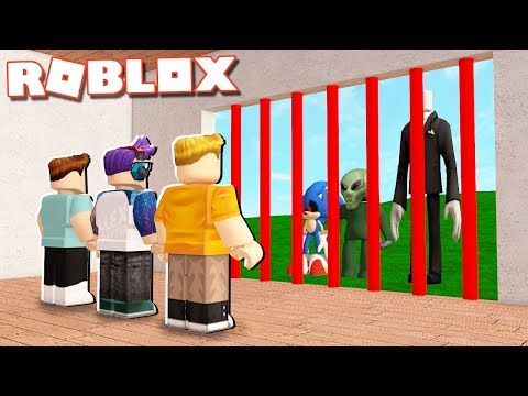 BUILD A SECURE BASE TO SURVIVE MONSTERS IN ROBLOX!