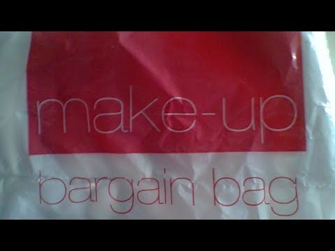 AVON MAKE UP BARGAIN BAG OPENING  ....