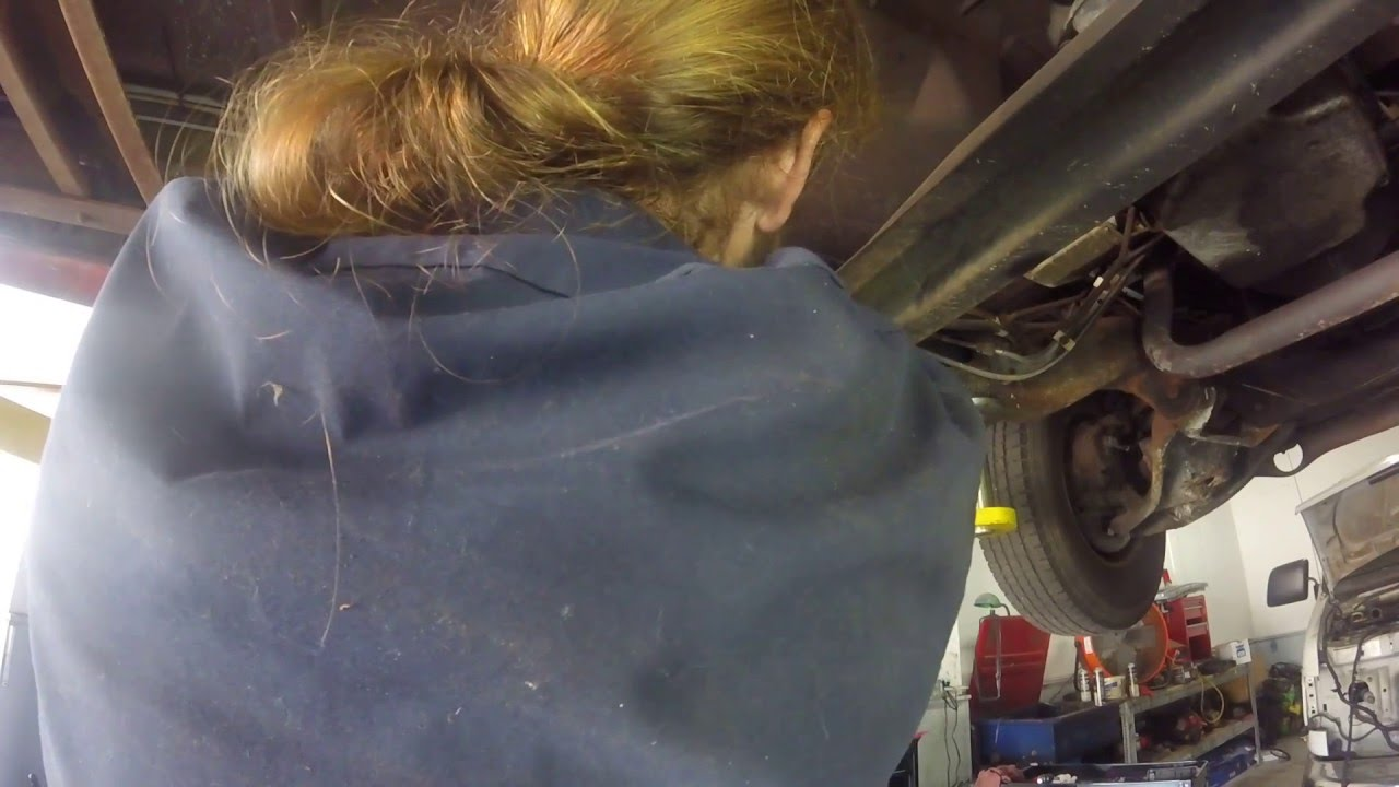 hight resolution of how to change a fuel filter