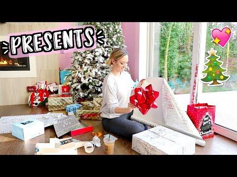 Wrapping Christmas Presents!! Vlogmas Day 22