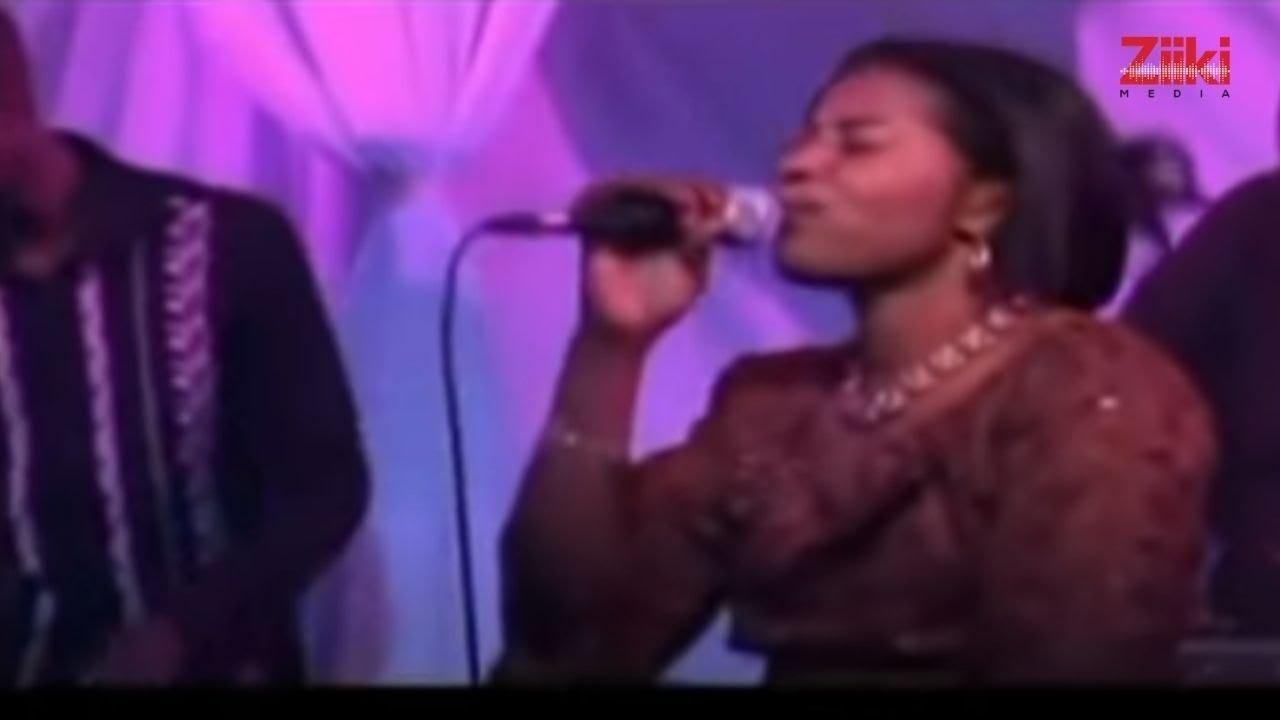 Download Angela Chibalonza - Kaa Nami (Official Video)
