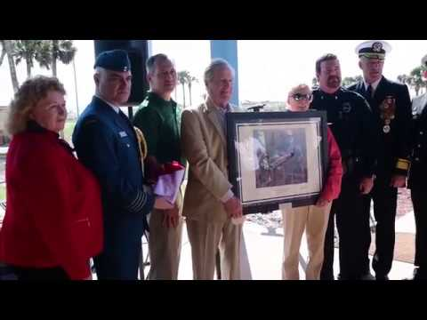 DFN: U.S. Navy, Jacksonville Sheriff's Office exchange artifacts with Royal Canadian Armed Forces