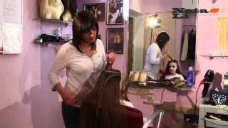Самые стильные прически 2012 в студии дизайна «Nata-Li»(Чудесные превращения в студии дизайна наращивания волос «Nata-Li» www.hair-shop.com.ua В фильме использована музыка:..., 2012-06-20T18:35:42.000Z)