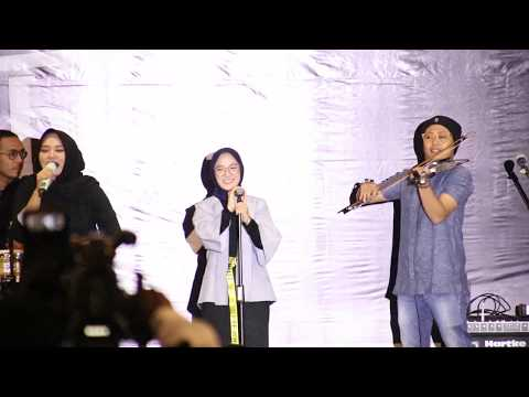 LAW KANA BAINANAL HABIB - SABYAN GAMBUS Live Q Mall Banjarbaru