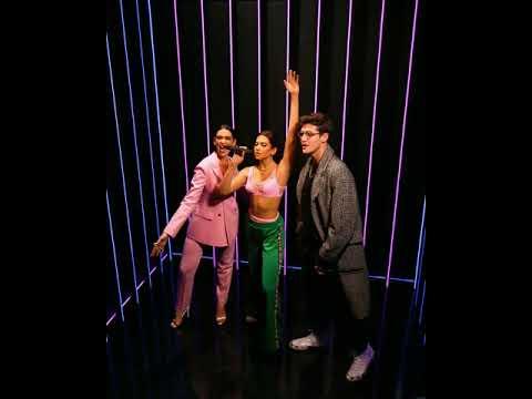 Fans Surprised at Dua Lipa Glow Room by Pop Princess Herself