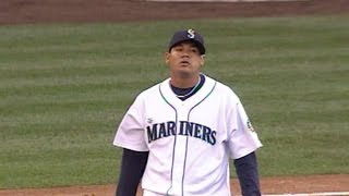 Felix Hernandez throws an immaculate inning in 2008