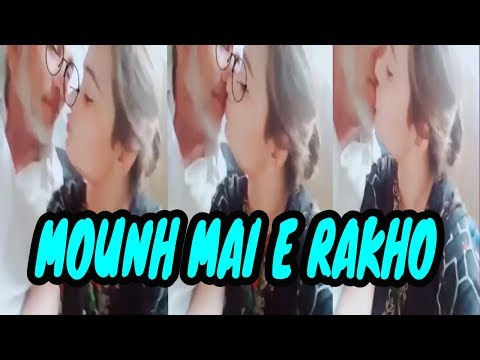 Another Viral video of Girl kissing with Fruit Wala !!!