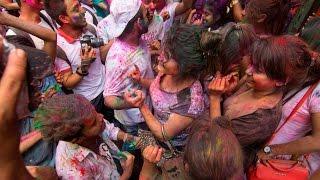 Happy Holi 2017 in Bangladesh (Shakhari Bazar Old Dhaka) Part 03