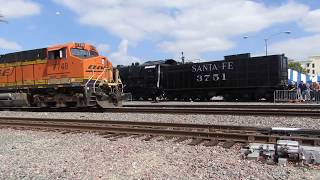 BNSF Slab Train departs Fullerton w/ A nice engineer
