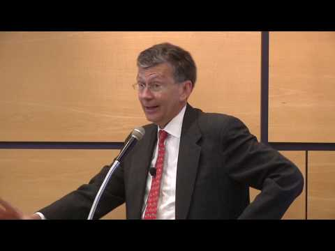 FCC Chairman Reed Hundt Predicts that Broadband Internet Will Become the Common Medium