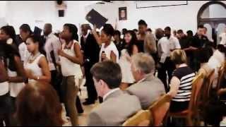 foreign student in serbia dancing-(ngi hamba nawe.. mafikizolo)