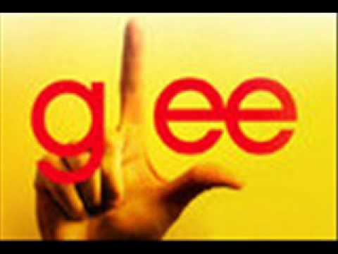 Glee (girls) Halo/Walking on sunshine mash up
