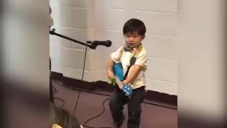 2 year old boy sings 10000 Reasons. So beautiful!!