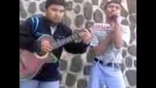 Video Hot Main Gitar di Sekolah