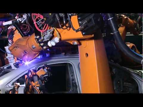 Quá trình tạo khung cho xe hơi Audi tại Đức