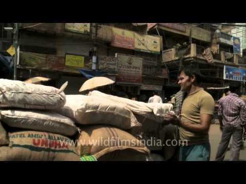 Black gold - Pepper being sold in India's ancient spice market!