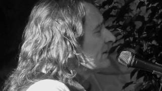 Watch Roger Hodgson The More I Look video