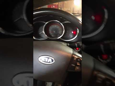 2012 Kia Sorento Flickering Dash Lights