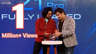 Ashish Chanchlani And Bhuvan Bam Unboxing Phone On Stage Full Comedy