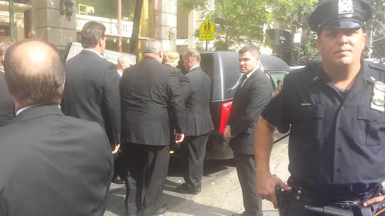 new york post video of joan rivers casket being carried