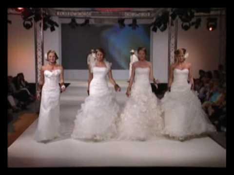 d2d14536cc78 Parte2   Collezione Demetrios - Sfilata di moda di abiti da sposa - YouTube