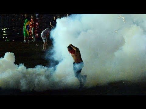 Brazil: police fire tear gas at Brasília protesters