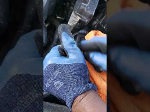 HOW TO CLEAN CAR BATTERIES AND GET RID OF CORROSIONS