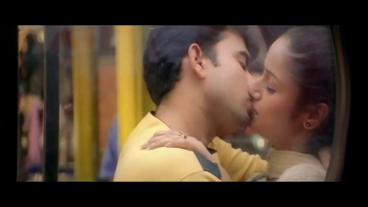 Tamil Actress Kissing Scene