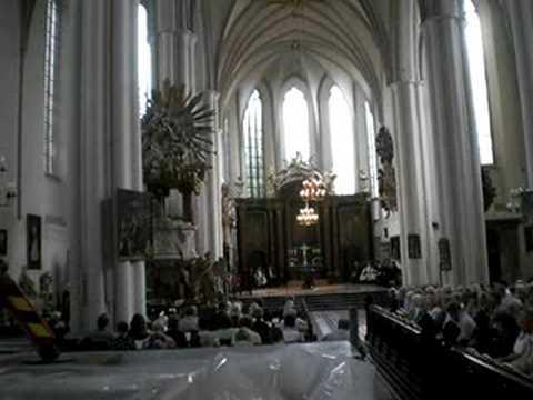 """berlin-mitte:-choral-""""lobet-den-herren-alle,-die-ihn-ehren"""""""