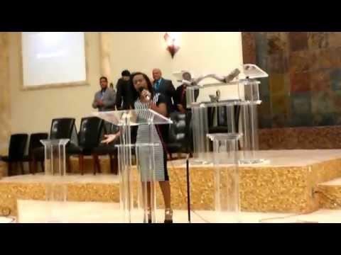 Tu Adoracion Rompe Las Cadenas - Zuleyka Barreiro Y Kevin Pena