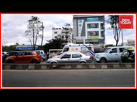 5ive Live : Ambulance Halted For Home Minister's Convoy In Bangalore